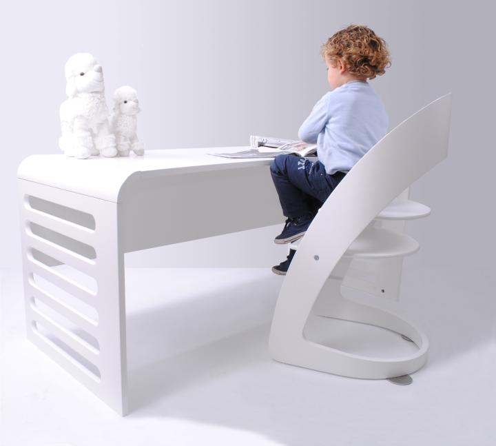 Kids on Luxe - escritorio hugo de espaldas