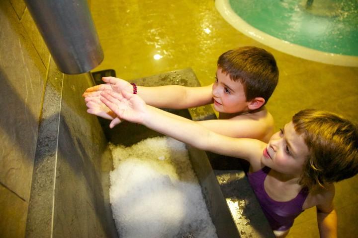 circuito de aguas con niños en berga resort