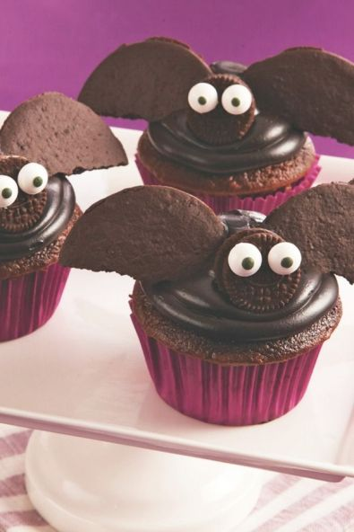 halloween bat cakes